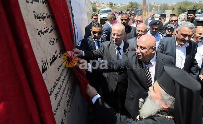 Palestinian Prime Minister, Rami Hamadallah, Inaugurates Construction work in Beit Jala Cooperative housing project,  in the West Bank city of Beit Jala, on July 24, 2016. Photo by Prime Minister Office