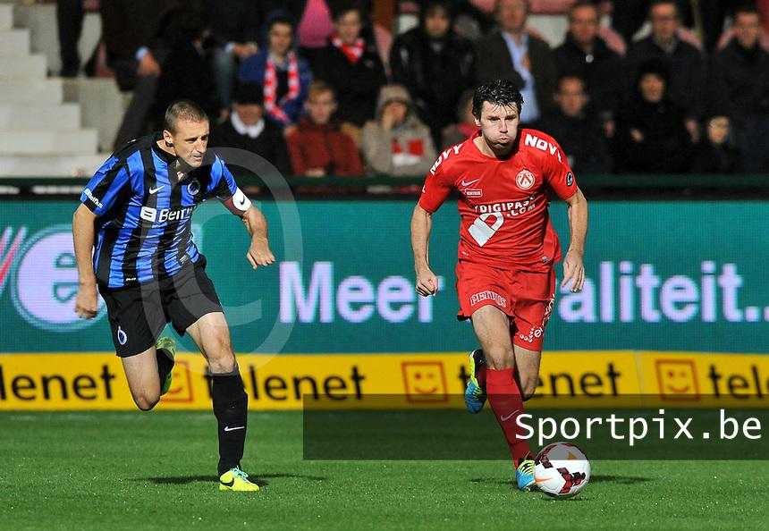 KV Kortrijk - Club Brugge KV : Stijn De Smet aan de bal voor Timmy Simons (links)<br /> foto VDB / Bart Vandenbroucke