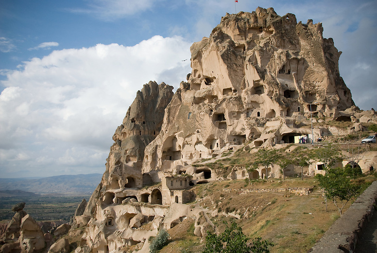 Uchisar Castle is the highest point in the region and the most prominent land formation.  It is 120 steps to the summit. In the 15th and 16th centuries, the Byzantine army took advantage of the elevation of three of the area's rock formations (Üçhisar, Ortahisar and Ürgüp), and created a warning system using mirrors and lights, sending messages among the fortresses and as far away as Istanbul.