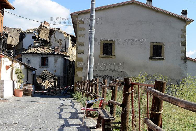 Torrita, Amatrice, 26 Agosto 2016.<br /> Edifici crollati a Torrita, frazione di Amatrice. <br /> L'Italia è stata colpita da un potente, terremoto di 6,2 magnitudo nella notte del 24 agosto, 2016, che ha ucciso almeno 290 persone .<br /> Collapsed buildings  in Torrita,a hamlet of Amatrice , earthquake in central Italy was struck by a powerful, 6.2-magnitude earthquake in the night of August 24, 2016, Which has killed at least 290 people and devastated hundreds of houses.