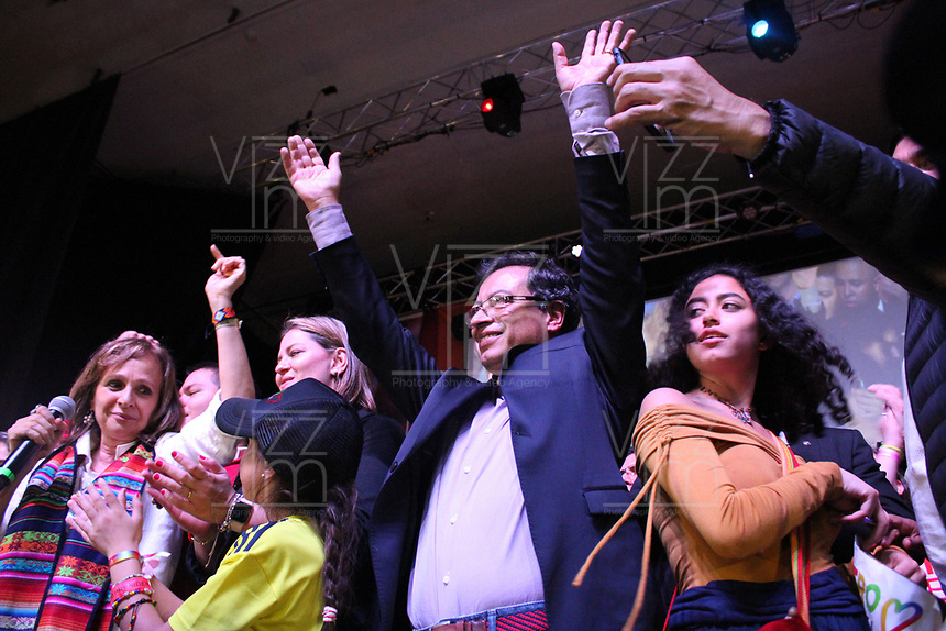 BOGOTÁ - COLOMBIA, 27-05-2018:Gustavo Petro habla a los colombianos en auditorio del Hotel Downtown Majestiic luego de obtener la segunda votación en el país y pasar a segunda vuelta de las  elecciones 2018 en Colombia./Presidential elections in Colombia 2018. Photo: VizzorImage / Felipe Caicedo / Satff