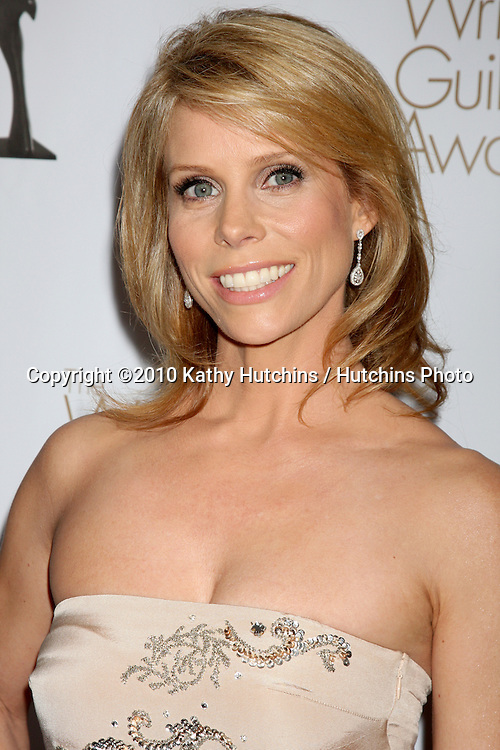 Cheryl Hines.arriving at 2010 Writers Guild of America Awards.Century Plaza Hotel.Century City, CA.February 20, 2010.©2010 Kathy Hutchins / Hutchins Photo....