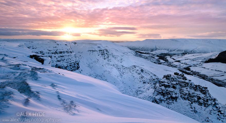 Alport Castles, a landscape feature resulting from a huge landslip at the end of the last ice age. Peak District National Park, Derbyshire, UK. December.