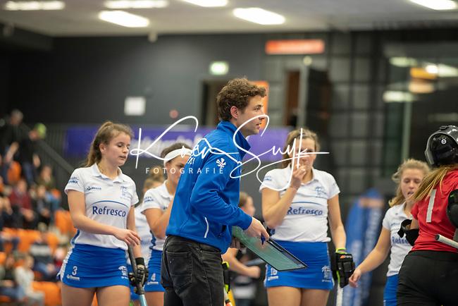 ROTTERDAM  - NK Zaalhockey .Kampong D1-Den Bosch D1 dames voor brons. coach Santi Freixa (Kampong)      COPYRIGHT KOEN SUYK