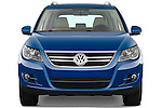 Straight front view of a 2009 Volkswagen Tiguan SEL