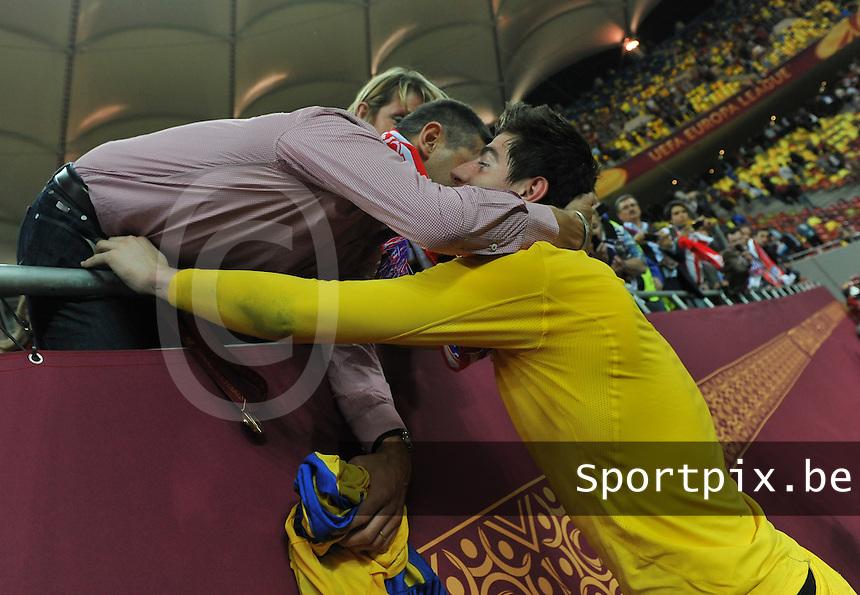 Uefa Europa League Final Bucharest 2012 : Wednesday 9 May 2012 - National Arena Bucharest : Club Atletico de Madrid - Athletic Club Bilbao.Thibaut Courtois krijgt felecitaties van zijn vader.foto DAVID CATRY