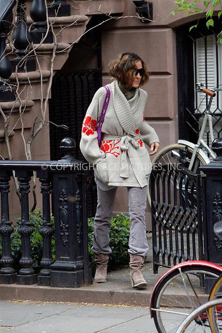 WWW.ACEPIXS.COM . . . . .  ....April 18 2010, New York City....Actress Sarah Jessica Parker leaves her West Village Brownstone house on April 18 2010 in New York City....Please byline: NANCY RIVERA- ACEPIXS.COM.... *** ***..Ace Pictures, Inc:  ..Tel: 646 769 0430..e-mail: info@acepixs.com..web: http://www.acepixs.com