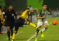 BARRANCABERMEJA -COLOMBIA, 11-03-2017:  Juan D Rios (Izq) jugador de Alianza Petrolera disputa el balón con Felipe Aguilar (Der) de Atletico Nacional  durante encuentro fecha 9 de la Liga Aguila I 2017 disputado en el estadio Daniel Villa Zapata de la ciudad de Barrancabermeja. / Juan D Rios (L) player of Alianza Petrolera fights for the ball with Felipe Aguilar (R) player of Atletico Nacional  during match for the date 9 of the Aguila League I 2017 played at Daniel Villa Zapata stadium in Barrancebermeja city. Photo: VizzorImage / Jose Martinez / Cont