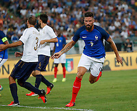 Olivier Giroud celebrates after scoring during the  friendly  soccer match,between Italy  and  France   at  the San  Nicola   stadium in Bari Italy , September 01, 2016<br /> esultanza<br /> amichevole di calcio tra le nazionali di Italia e Francia