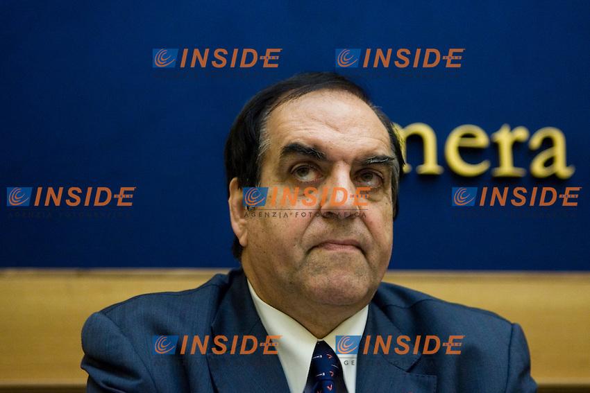 Antonio Borghesi  ..Camera dei Deputati Conferenza stampa dell'Italia dei Valori per presentare gli Emendamenti della Manovra Finanziaria ..Photo  Insidefoto..............................