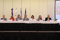 El presidente del Indotel, Gedeón Santos, la representante de la OEA en la República Dominicana, AracellAzuara, y Alberto Chéhebar, vicepresidente de USUARIA de Argentina, entre otras personalidades, presiden la mesa directiva.