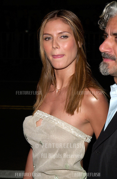Supermodel HEIDI KLUM & husband at the Los Angeles premiere of The 6th Day..13NOV2000.  © Paul Smith / Featureflash