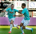 Nederland, Rotterdam, 15 mei 2014<br /> Jupiler Play-Offs<br /> Finale<br /> Sparta-FC Dordrecht<br /> Giovanni Korte (l.) van FC Dordrecht schreeuwt het uit van vreugde nadat hij een doelpunt heeft gemaakt. Rechts Paul Gladon