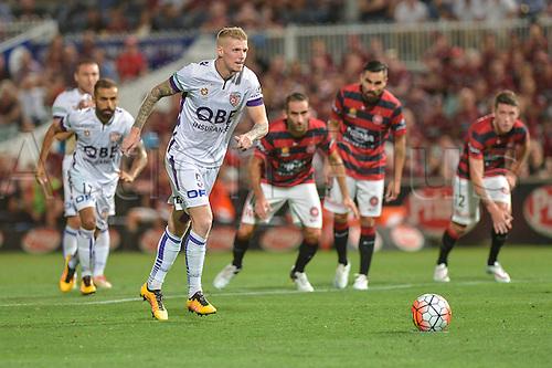 26.02.2016. Pirtek Stadium, Parramatta, Australia. Hyundai A-League. Western Sydney Wanderers versus Perth Glory. Perth forward Andy Keogh lines up the penalty. The Wanderers won 2-1.