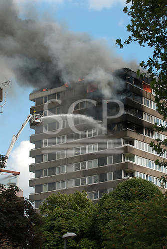 Cambridge Estate, Kingston upon Thames. Fire on Cambridge Estate council estate, 12th July 2010. Photos copyright Sue Cunningham.