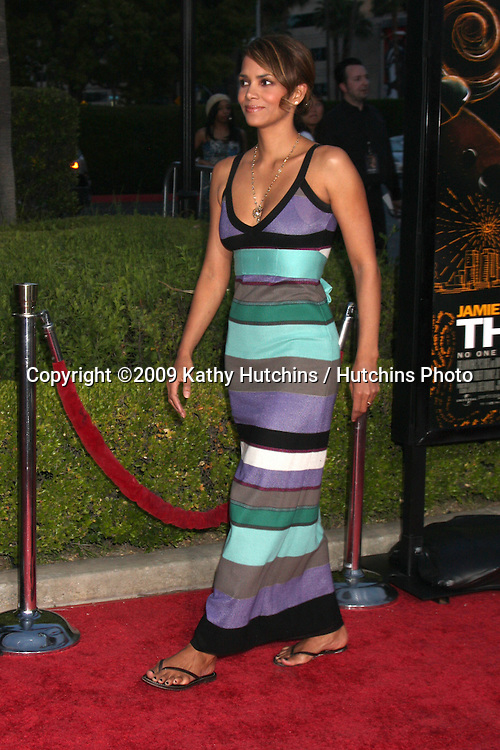 Halle Berry arriving at the Soloist Premiere at Paramount Studios in Los Angeles,  California on April 20, 2009.©2009 Kathy Hutchins / Hutchins Photo....                .