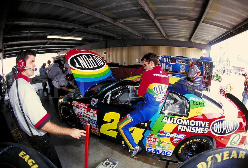 JEFF GORDON  WINSTON CUP RACE DOVER DOWNS SPEEDWAY. JEFF GORDON, PROFESSIONAL RACE CAR DRIVER. DOVER DELAWARE USA.