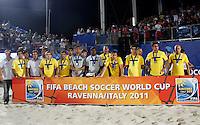 RAVENNA, ITALIA, 11 DE SETEMBRO DE 2011 - COPA DO MUNDO BEACH SOCCER - Jogadores da selecao brasileira possam para foto como vice campeoes da Copa do Mundo de Beach Soccer, no Stadium Del Mare em Ravenna na Italia, neste domingo (11). (FOTO: WILLIAM VOLCOV - NEWS FREE).