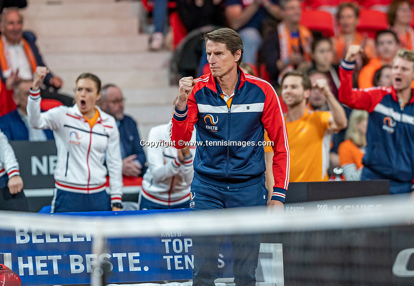 The Hague, The Netherlands, Februari 8, 2020,    Sportcampus, FedCup  Netherlands -  Balarus, Seccond match on Saturday:  Dutch captain Paul Haarhuis (NED)<br /> Photo: Tennisimages/Henk Koster