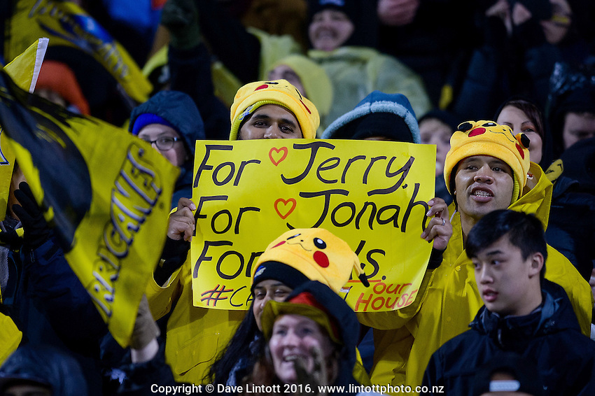 Fans with messages to passed Hurricanes during the Super Rugby Final between The Hurricanes and The Lions at Westpac Stadium, Wellington, New Zealand on Saturday, 6 August 2016. Photo: Marco Keller / lintottphoto.co.nz