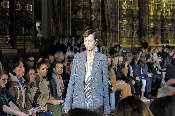 Stella McCartney<br /> <br /> Paris - Inverno 2016<br /> <br /> <br /> foto: FOTOSITE