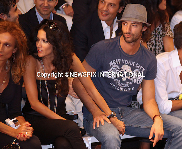 """RANDY INGERMAN AND FRIEND.PUPISSIMA by Mary Carbone.Milan Fashion Show, Milano_23/09/2009.Mandatory Credit Photo: ©NEWSPIX INTERNATIONAL..**ALL FEES PAYABLE TO: """"NEWSPIX INTERNATIONAL""""**..IMMEDIATE CONFIRMATION OF USAGE REQUIRED:.Newspix International, 31 Chinnery Hill, Bishop's Stortford, ENGLAND CM23 3PS.Tel:+441279 324672  ; Fax: +441279656877.Mobile:  07775681153.e-mail: info@newspixinternational.co.uk"""