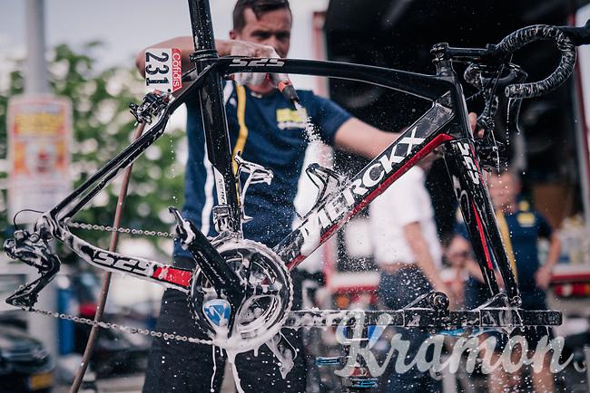 big post-race clean-up after the last of the 2018 Spring Classics<br /> <br /> 104th Liège - Bastogne - Liège 2018 (1.UWT)<br /> 1 Day Race: Liège - Ans (258km)