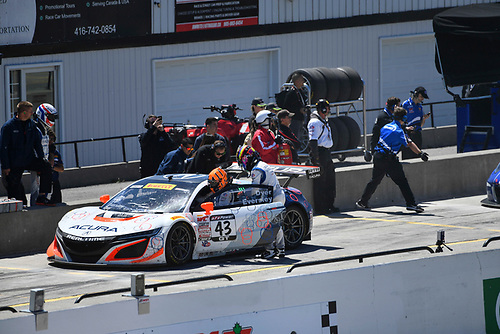 Pirelli World Challenge<br /> Victoria Day SpeedFest Weekend<br /> Canadian Tire Motorsport Park, Mosport, ON CAN Saturday 20 May 2017<br /> Ryan Eversley/ Tom Dyer pit stop<br /> World Copyright: Richard Dole/LAT Images<br /> ref: Digital Image RD_CTMP_PWC17090