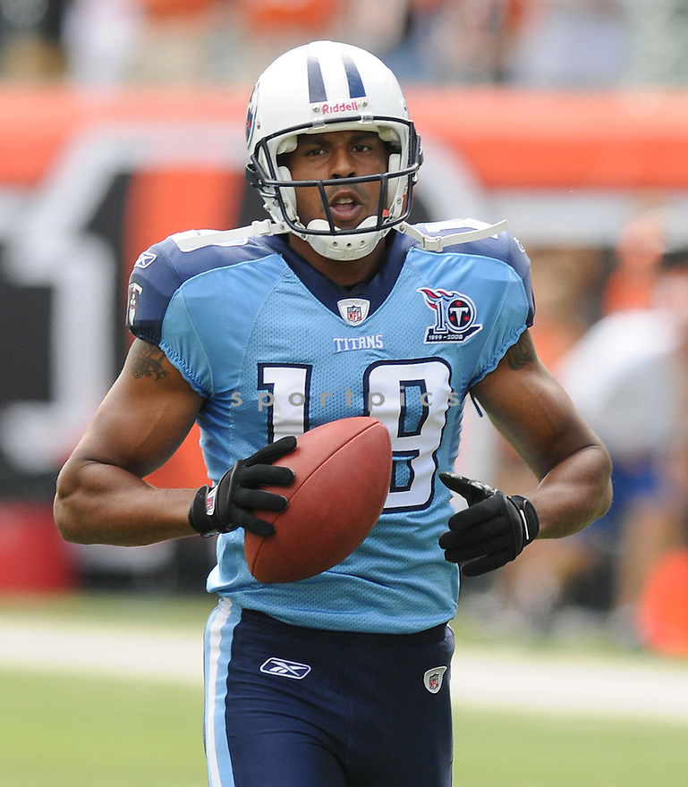 JUSTIN MCCAREINS, of the Tennessee Titans , in action during the Titans game against the Cincinnati Bengals in Cincinnati , Ohio on September 15, 2008..The Tennessee Titans won 24-10