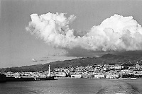 Messina, veduta dallo stretto --- Messina, view from the strait