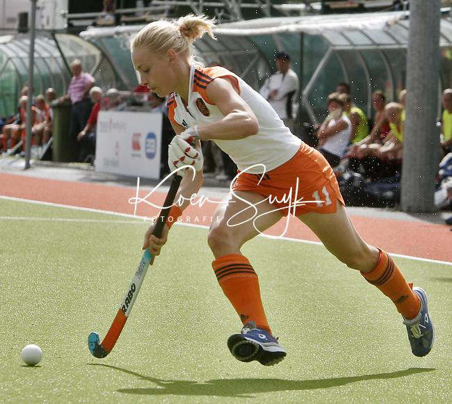NLD-20050819-DUBLIN- EK HOCKEY dames. Halve Finale; Nederland-Engeland. Maartje Goderie. ANP FOTO/KOEN SUYK