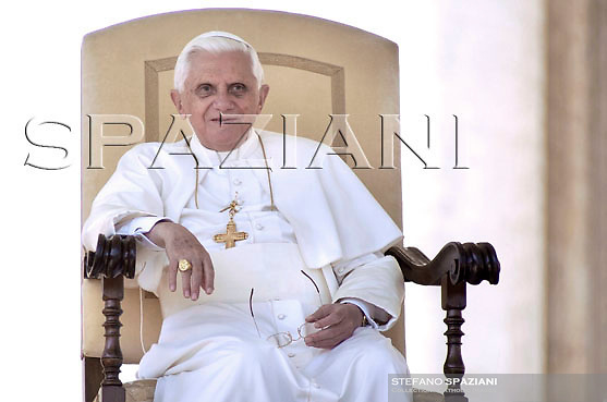 Pope Benedict XVI during general audience in St. Peter's Square at the Vatican..October 3, 2007. .. ..