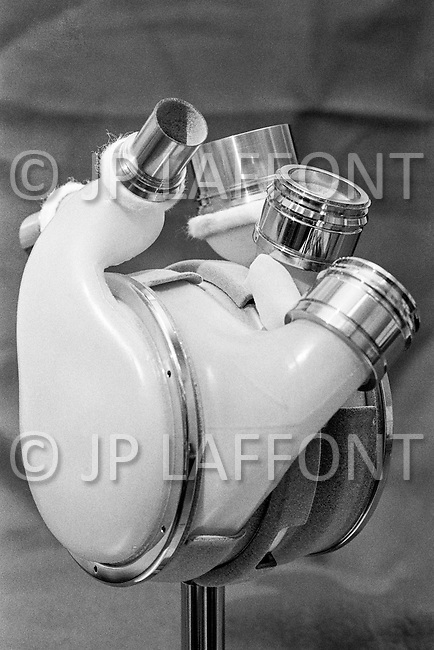 02 May 1972 --- Doctor Lowell T. Harmison's creation, a nuclear powered artificial heart. Harmison held the position of director of the National Heart, Lung, and Blood Institute of Health, the NHLBI from 1967 to 1974. --- Image by © JP Laffont