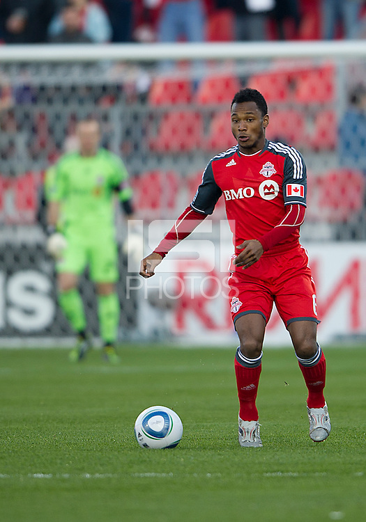 07 May 2011: Toronto FC midfielder Julian de Guzman #6 in action during an MLS game between the Houston Dynamo and the Toronto FC at BMO Field in Toronto, Ontario..Toronto FC won 2-1.