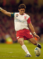 Cardiff, WALES.  Biarritz's Dimitri Yachvili, kicking a penalty, during the  2006 Heineken Cup Final,  Millennium Stadium,  between Biarritz Olympique and Munster,  20.05.2006. © Peter Spurrier/Intersport-images.com,  / Mobile +44 [0] 7973 819 551 / email images@intersport-images.com.   [Mandatory Credit, Peter Spurier/ Intersport Images].14.05.2006   [Mandatory Credit, Peter Spurier/ Intersport Images].