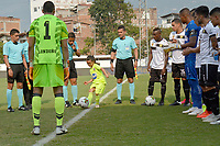 ENVIGADO - COLOMBIA, 08-03-2020: Una niña hace el saque de honor previo al encuentro por la fecha 8 de la Liga BetPlay DIMAYOR I 2020 entre Envigado F.C. y Rionegro Águilas jugado en el estadio Polideportivo Sur de Envigado. / Little girl makes a kick off prior the match for the date 8 of the BetPlay DIMAYOR League I 2020 between Envigado F.C. and Rionegro Aguilas played at Polideportivo Sur stadium of Envigado city.  Photo: VizzorImage / Leon Monsalve / Cont