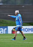 BOGOTA - COLOMBIA  - 21 - 03 - 2016: José Pekerman, entrenador de la Selección Colombia, durante entrenamiento en La sede de La Federacion Colombiana de Futbol en Bogota. Colombia prepara para el próximo partido partido contra Bolivia para la calificificacion a la Copa Mundo FIFA 2018 Rusia. /José Pekerman, coach of the Colombian national Team, during training at the Headquarters of the Colombian Football Federation in Bogota. Colombia prepares for the upcoming game match against Bolivia for calificificacion to FIFA World Cup 2018 Russia. (Photo: VizzorImage / Luis Ramirez / Staff.)