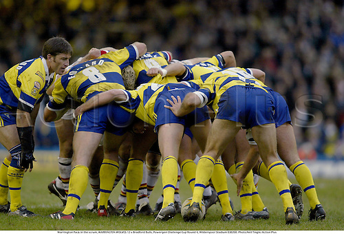 Warrington Pack in the scrum, WARRINGTON WOLVES 12 v Bradford Bulls, Powergen Challenge Cup Round 4, Wilderspool Stadium 030208. Photo:Neil Tingle/Action Plus...2003.rugby league superleague scrums scrummage