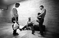 Roma .Volontari della comunità di Sant'Egidio assistono un senza fissa dimora alla Stazione Termini.Volunteers from the community of Sant'Egidio, they assist the homeless at the Termini Station
