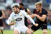 Elliot Daly of Wasps fends Jackson Wray of Saracens. Aviva Premiership match, between Saracens and Wasps on October 8, 2017 at Allianz Park in London, England. Photo by: Patrick Khachfe / JMP
