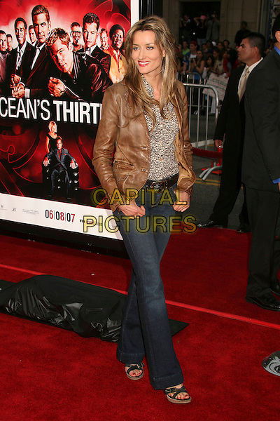 "NATASCHA McELHONE .""Ocean's Thirteen"" Los Angeles Premiere at Grauman's Chinese Theatre, Hollywood, California, USA..June 5th, 2007.full length natasha jeans denim brown leather jacket.CAP/ADM/BP.©Byron Purvis/AdMedia/Capital Pictures"