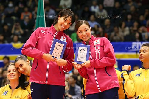 (L-R) Saori Sakota, Arisa Sato (JPN), NOVEMBER 17, 2013 - Volleyball : FIVB World Grand Champions Cup women's match Japan 0-3 Brazil at Tokyo Metropolitan Gymnasium, Tokyo, Japan. (Photo by AFLO SPORT) [1156]