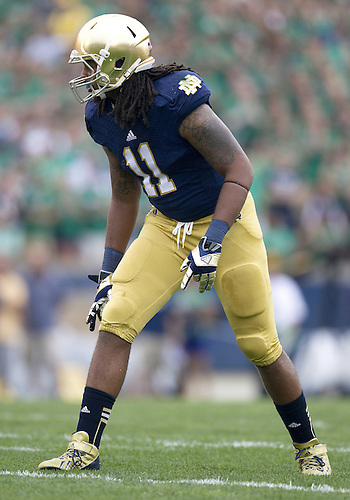 August 31, 2013:  Notre Dame outside linebacker Ishaq Williams (11) during NCAA Football game action between the Notre Dame Fighting Irish and the Temple Owls at Notre Dame Stadium in South Bend, Indiana.  Notre Dame defeated Temple 28-6.