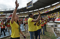 BARRANQUILLA - COLOMBIA -01-09-2016:   Mariasna Pajon, Yuri Alvear, Yuberjen Martinez e Ingrit Valencia  Medallistas Olímpicos de Colombia greet the public prior  partido entre Colombia y Venezuela de la fecha 7 para la clasificación a la Copa Mundial de la FIFA Rusia 2018 jugado en el estadio Metropolitano Roberto Melendez en Barranquilla./  Mariana Pajon, Yuri Alvear, Yuberjen Martinez and Ingrit Valencia Olympics medalist of Colombia greet the public prior  the match between Colombia and Venezuela of the date 7 for the qualifier to FIFA World Cup Russia 2018 played at Metropolitan stadium Roberto Melendez in Barranquilla. Photo: VizzorImage / Gabriel Aponte / Cont