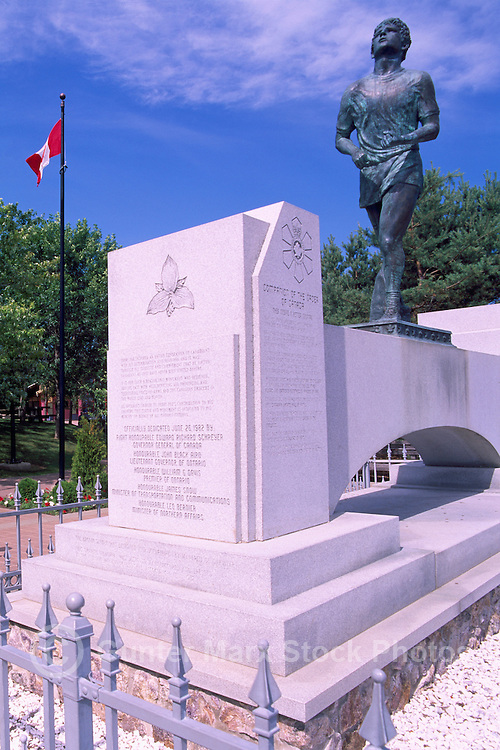Terry Fox Statue at 'Terry Fox Scenic Lookout', along 'Terry Fox Courage Highway' (Trans Canada Highway / Hwy 17), near Thunder Bay, Ontario, Canada (Sculptor: Manfred Pirwitz, 1982)
