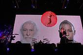 Feb 22, 2010: DEPECHE MODE - O2 Arena London UK