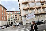 Turismo in Barriera # 3, passeggiata alla scoperta di insoliti punti di vista in Barriera di Milano. Progetto della associazione ONEOFF nell'ambito di 'Cosa succede in Barriera' con la partecipazione di Luca Morino. Apr 2013