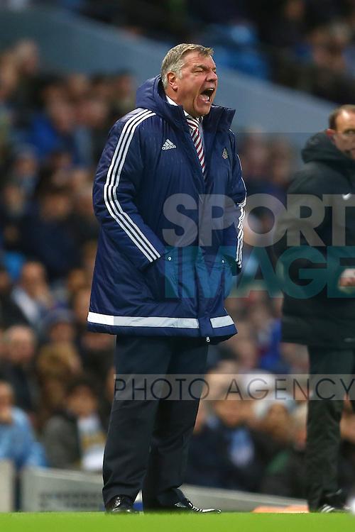 Manager of Sunderland, Sam Allardyce shouts from the sideline - Manchester City vs Sunderland - Barclays Premier League - Etihad Stadium - Manchester - 26/12/2015 Pic Philip Oldham/SportImage