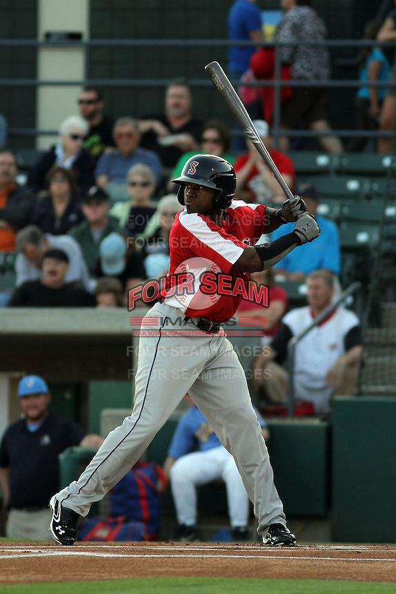 Salem Red Sox center fielder Jackie Bradley Jr. #16 at bat during a game against the Myrtle Beach Pelicans at Tickerreturn.com Field at Pelicans Ballpark on May 11, 2012 in Myrtle Beach, South Carolina. Salem defeated Myrtle Beach by the score of 5-3 in 14 innings. (Robert Gurganus/Four Seam Images)