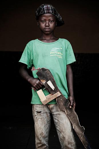 Christophe. 12 ans. 1 mois passés dans les groupes armés. Bukavu, RDC, juillet 2013.